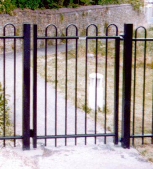 BowTop black single gate