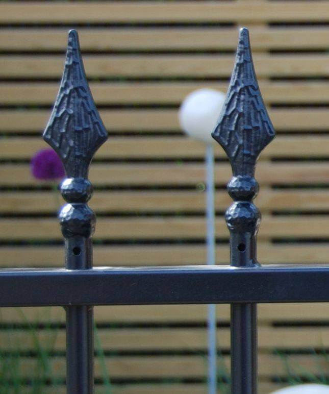 Barbican Imperial Residential Railing 957040 - finials 4