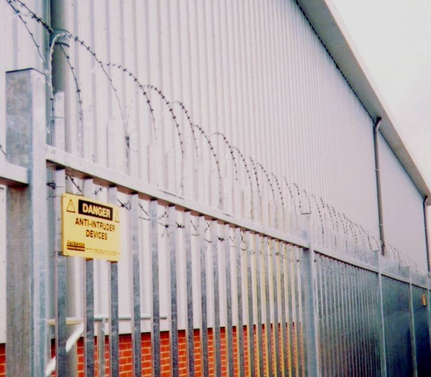 Flat Barbed Wire 32900