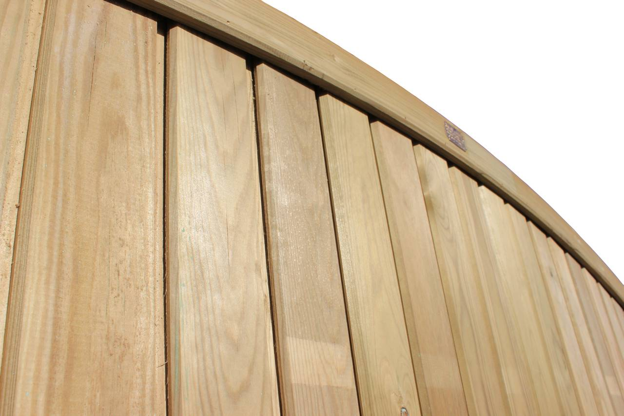 Close up Tongue and Groove Convex Fence Panel