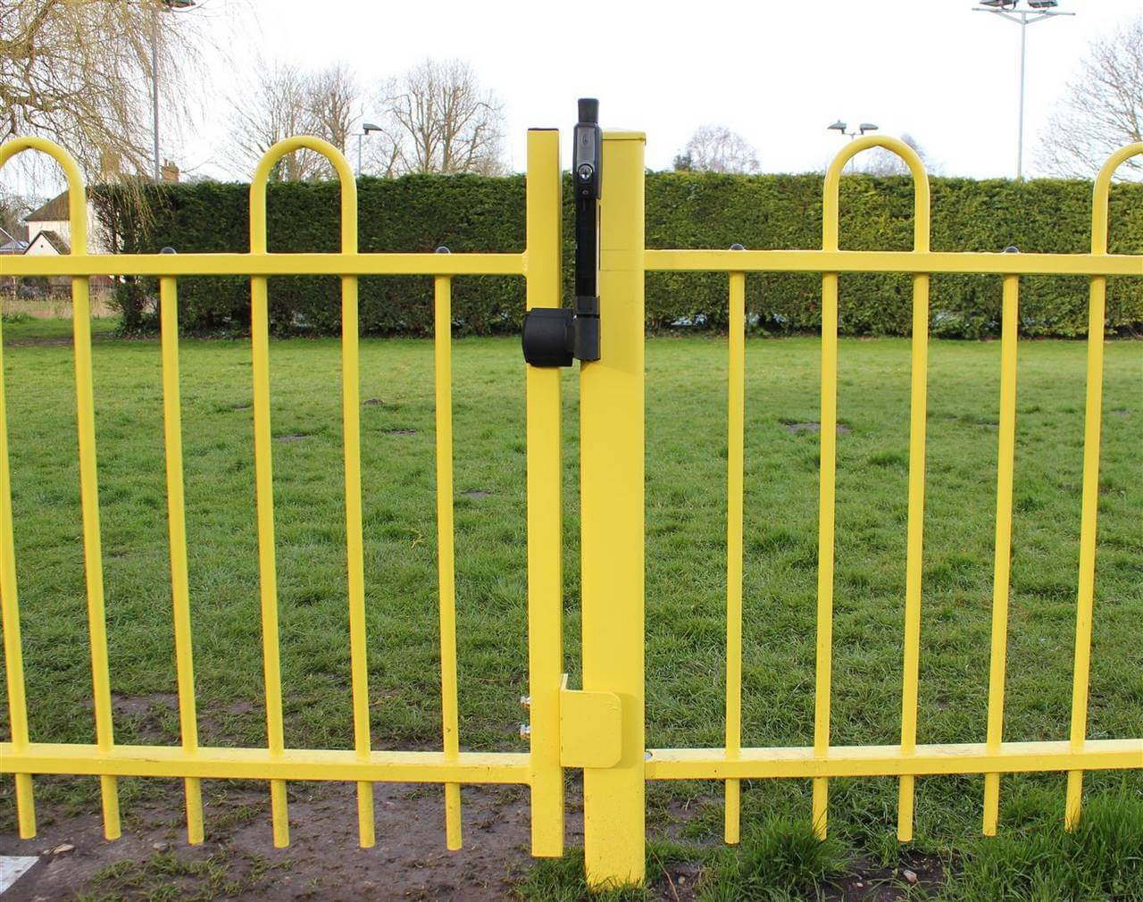 Magnetic Latch on Closed Gate