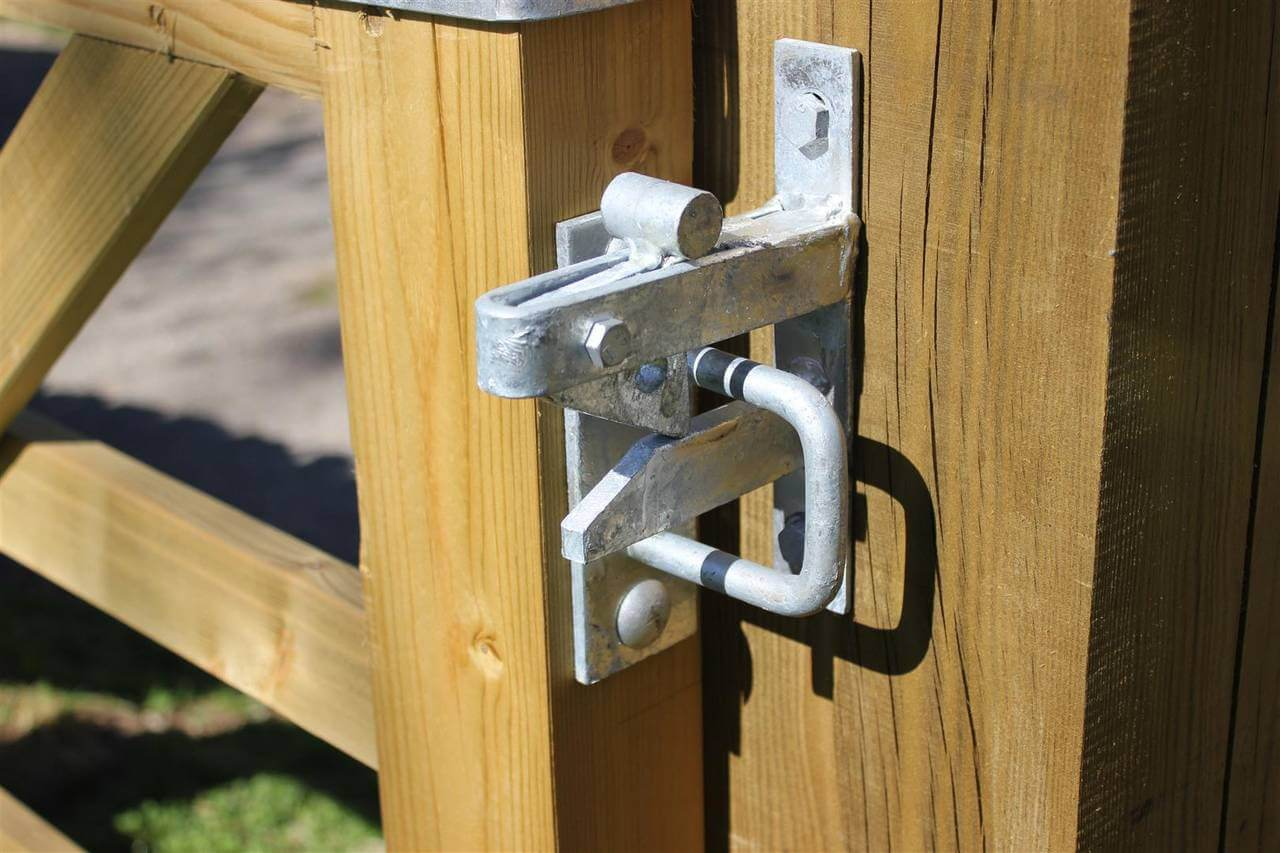 Auto Gate Catch for Field and Entrance Gates