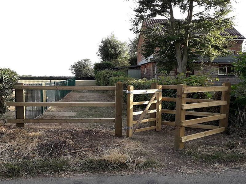 timber kissing gate
