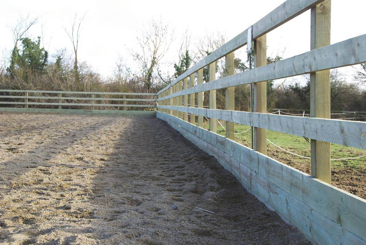 Riding arena fence