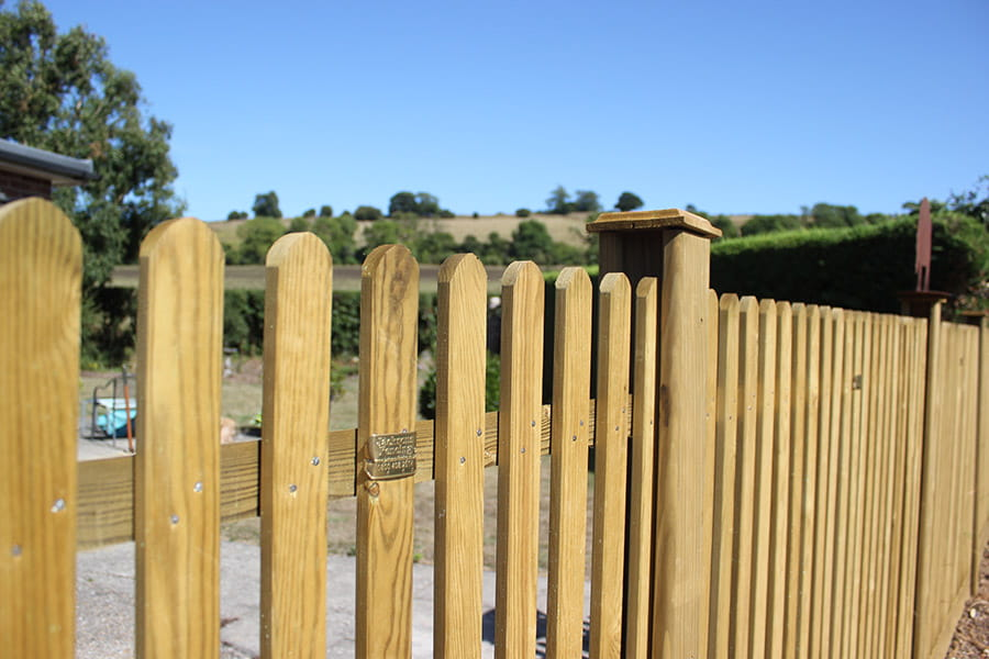 Mitre picket fencing