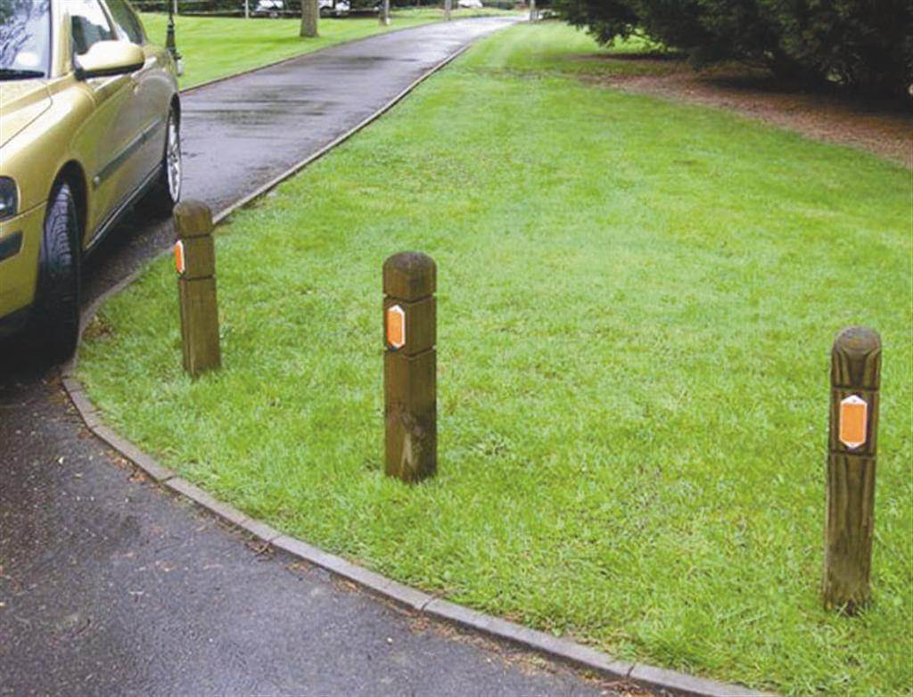 Wooden Verge Marker Posts