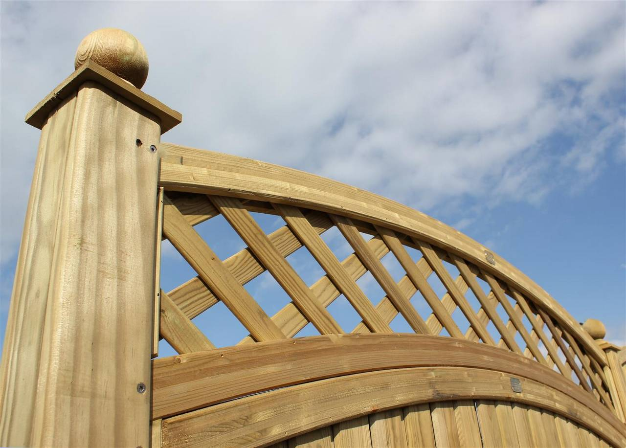 Curved Trellis Topper panel