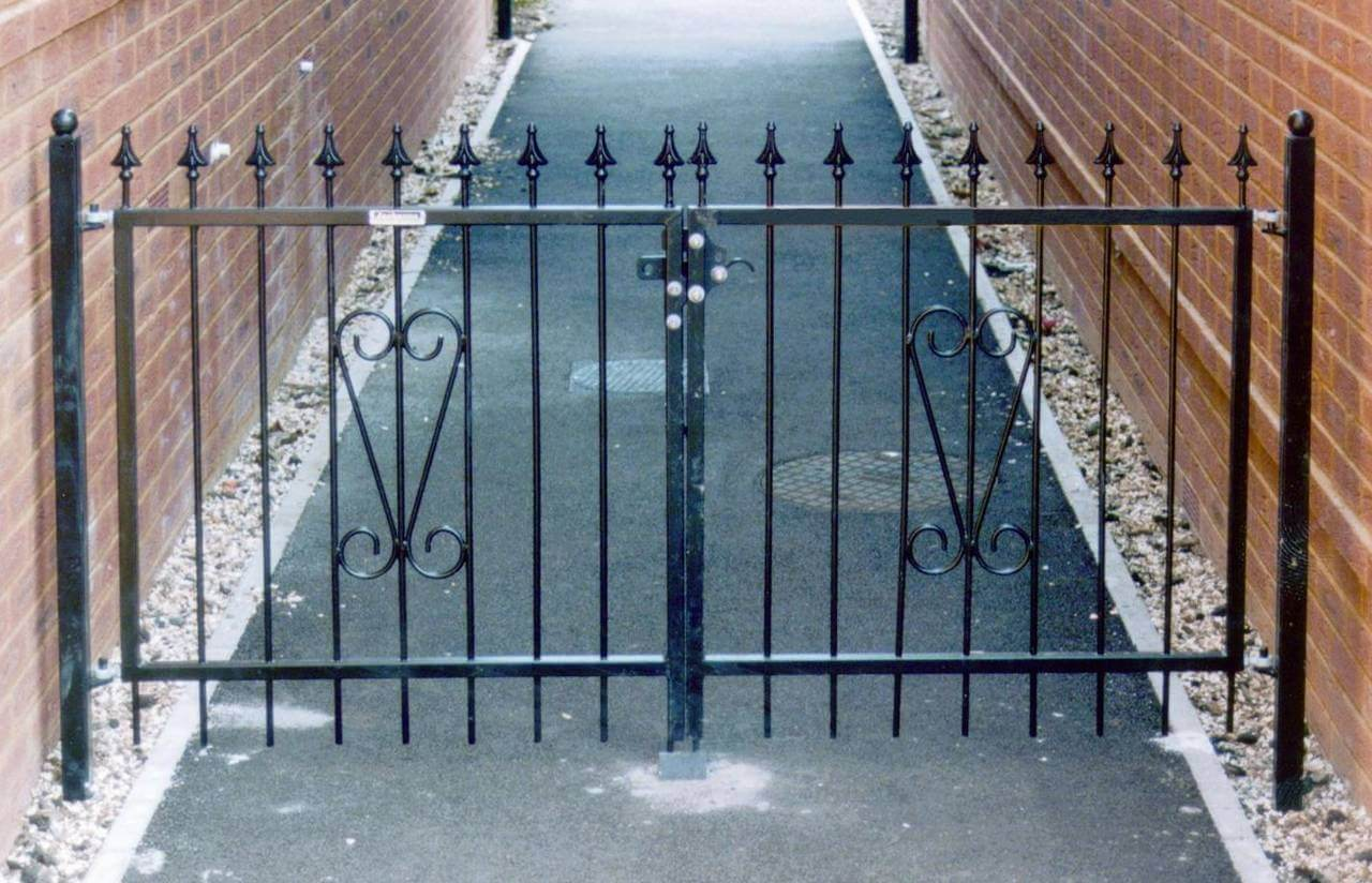 Double Metal Gates