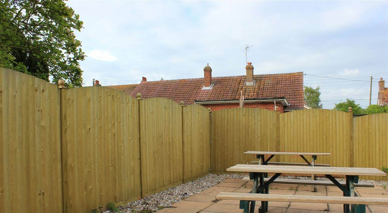Convex Featherboard Fence Panels