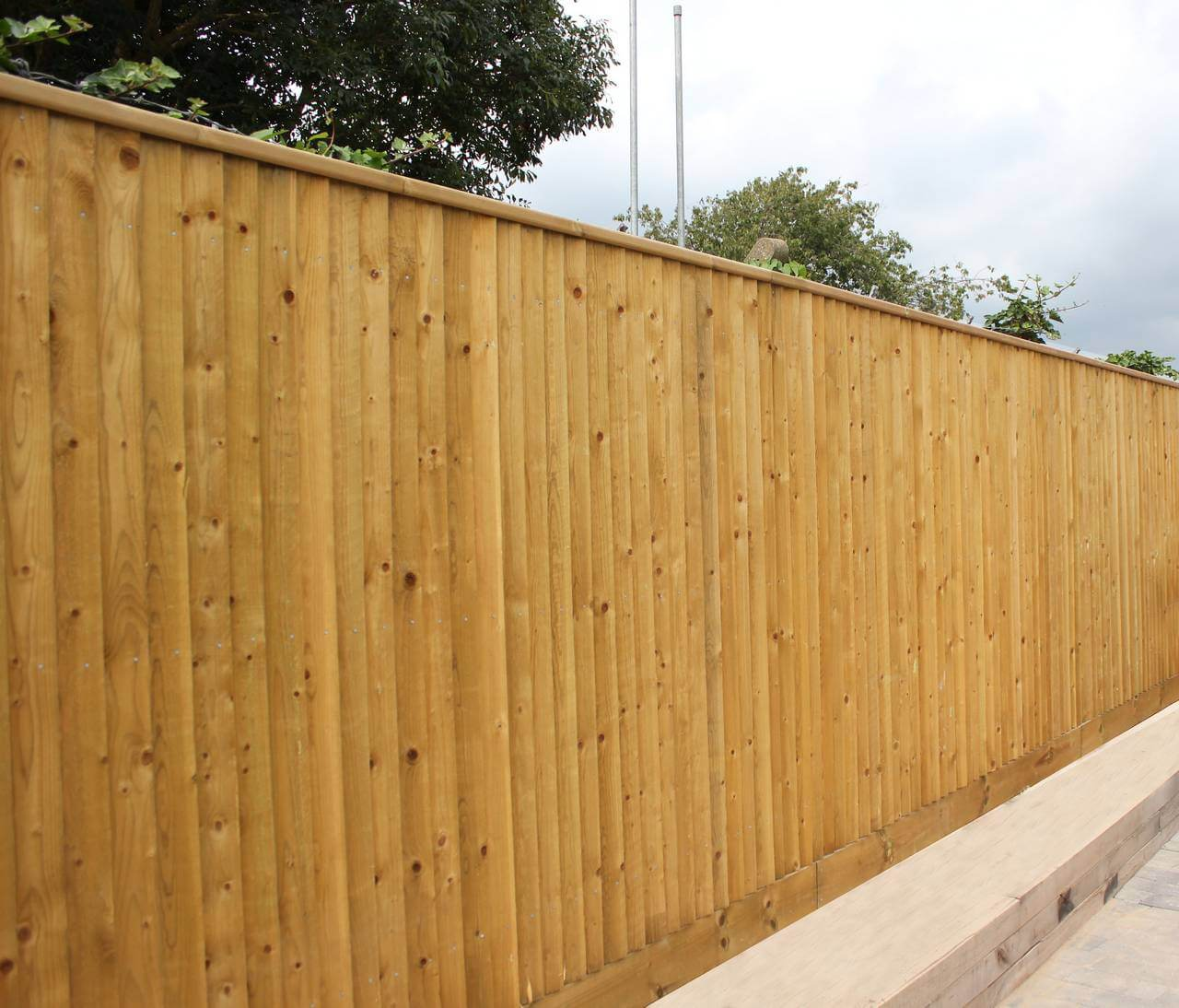 Traditional kit form fencing on business estate