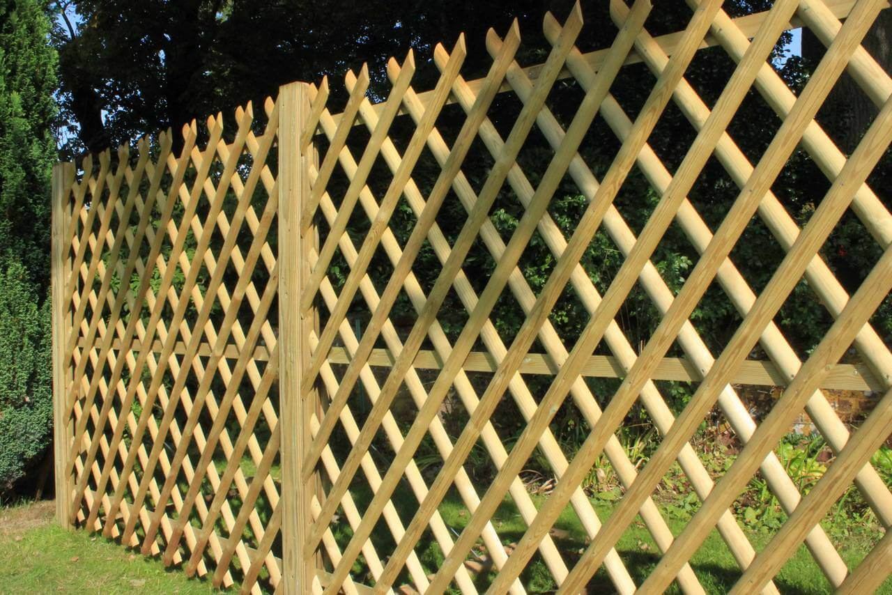 Cross style fencing