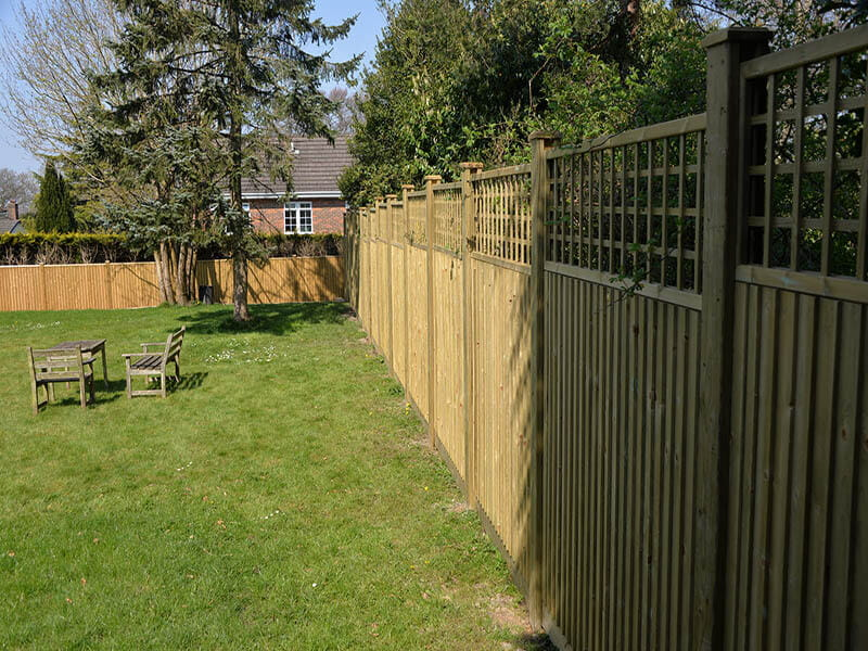 Jacksons Featherboard fencing