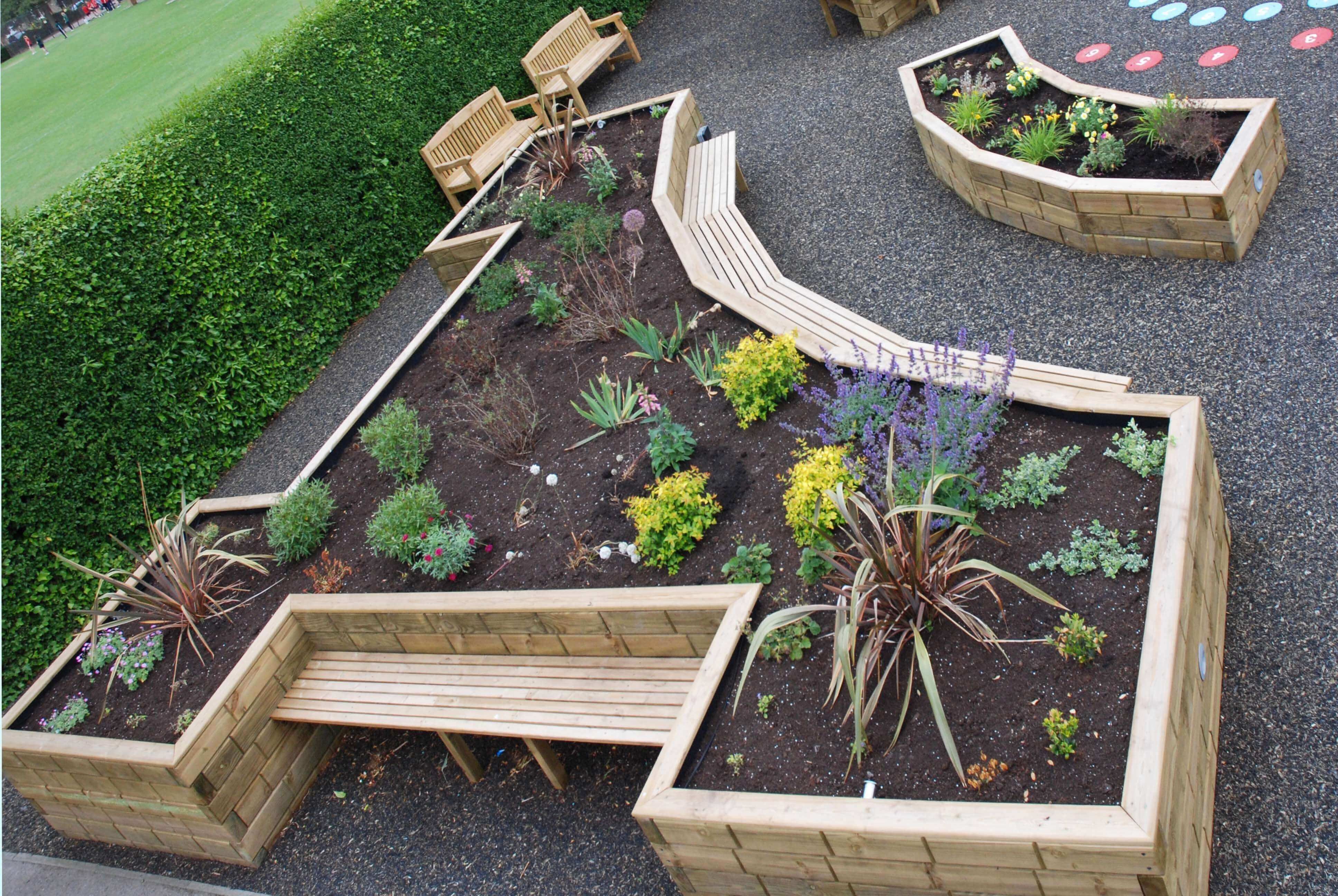 Jakwall timber raised beds