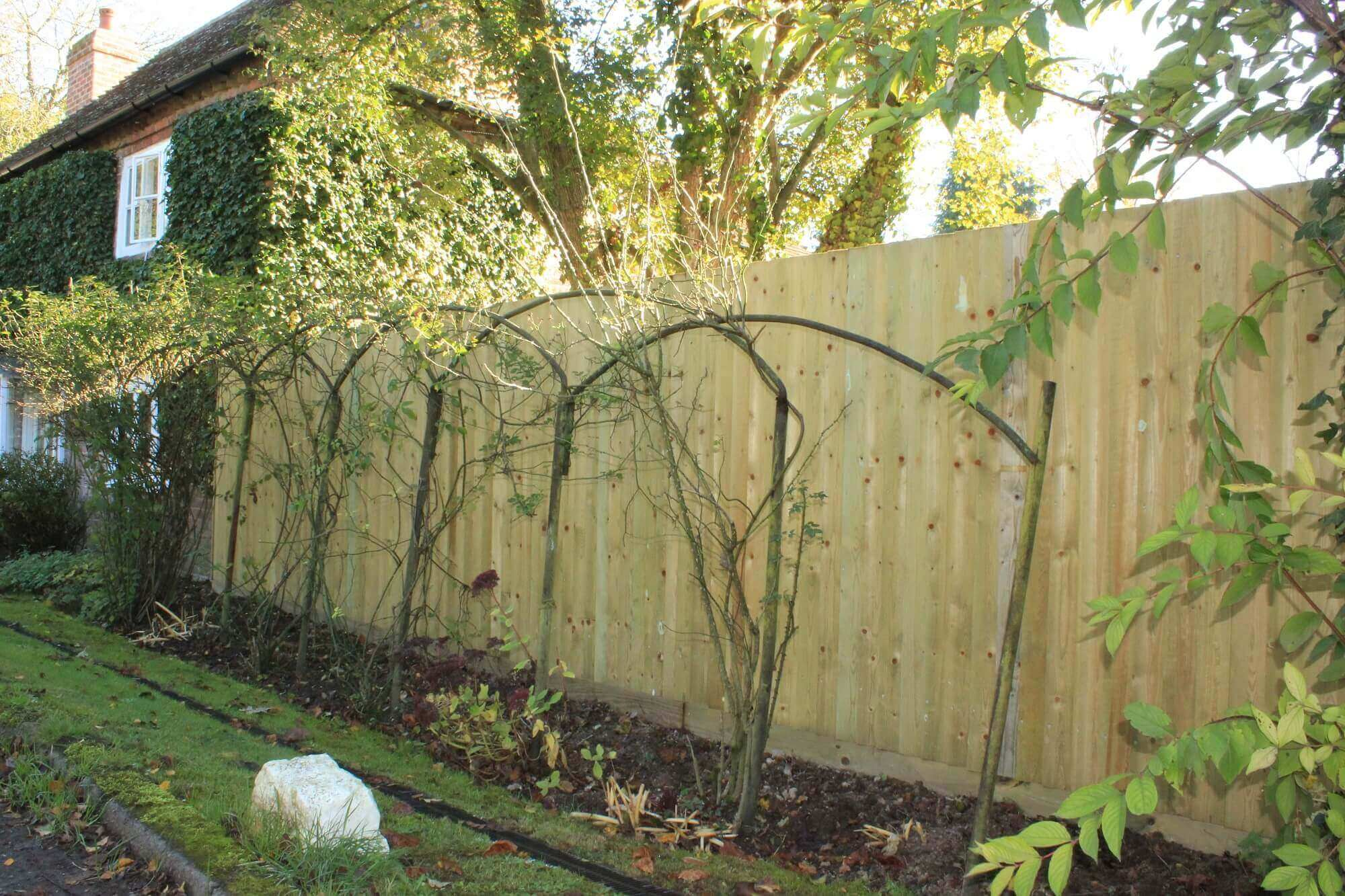 Closeboard Fencing Jacksons Fence Gate For Transitional Putting Up Electric Common Names This Style Of Include Featheredge Featherboard Or Boards Though The Product Is Identical No Matter What Term Used