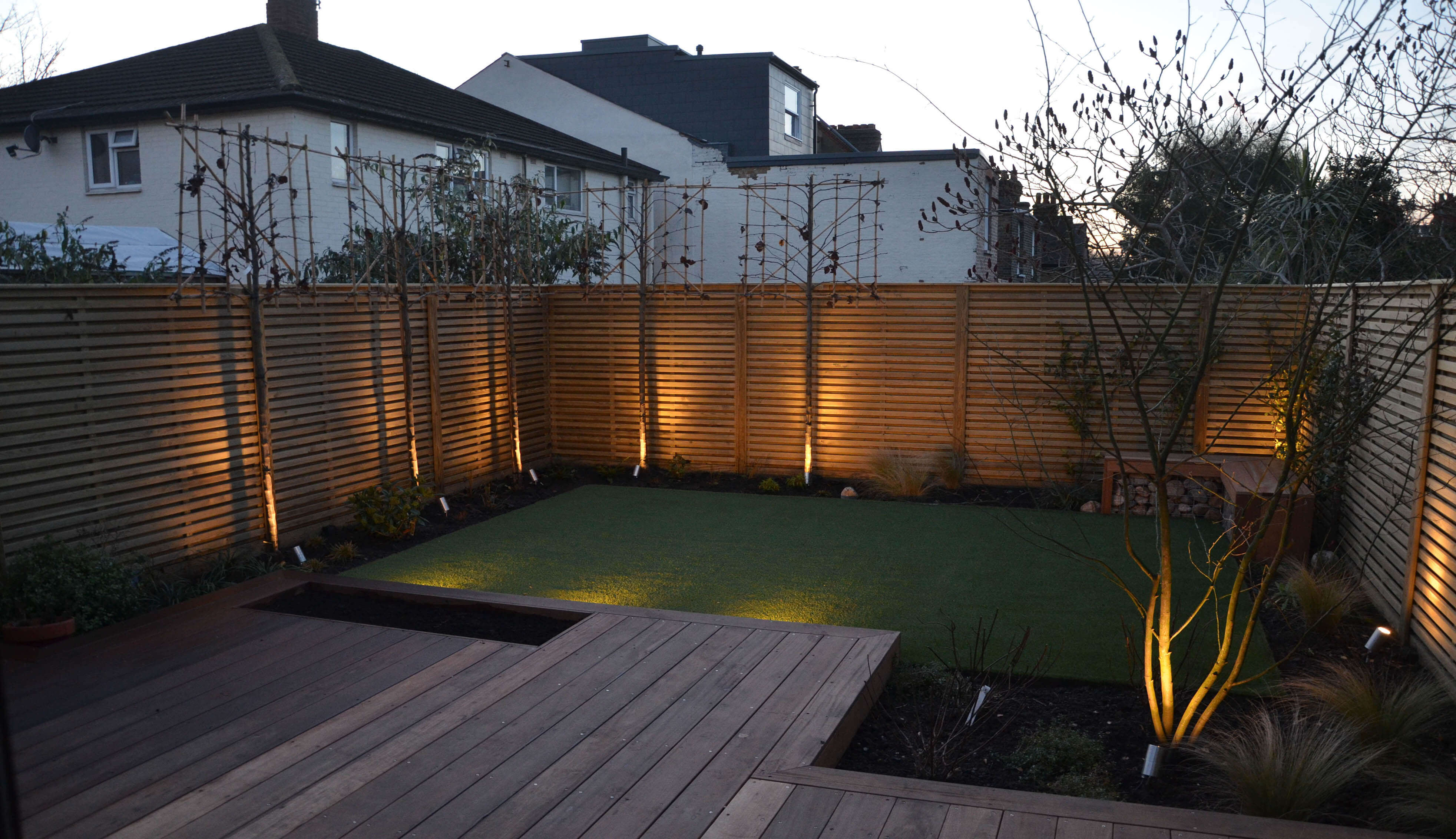 Fence panels with lighting