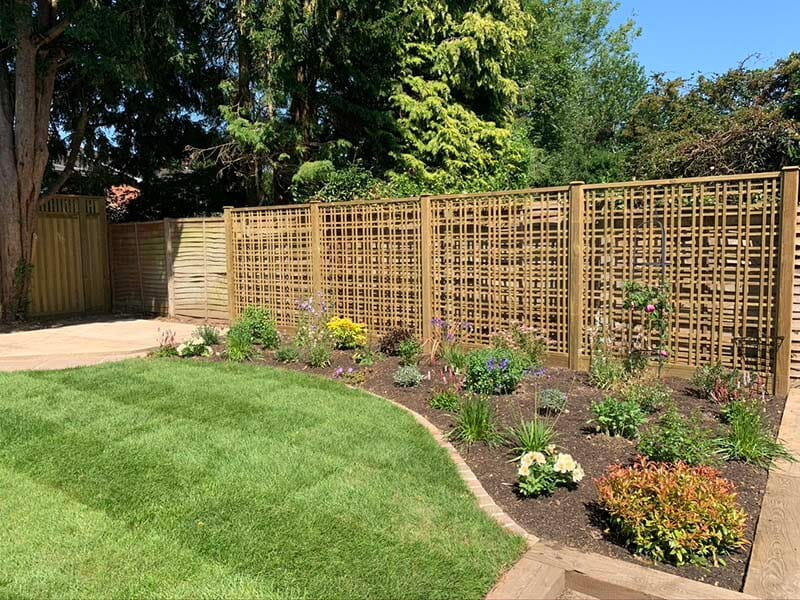 tartan trellis as fence screen