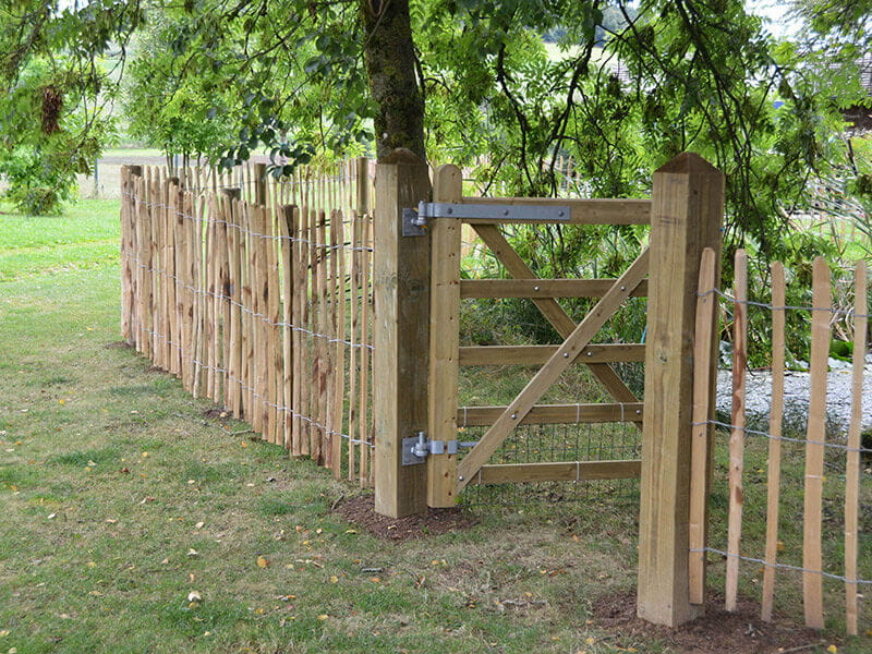 single uni-gate and chestnut fencing