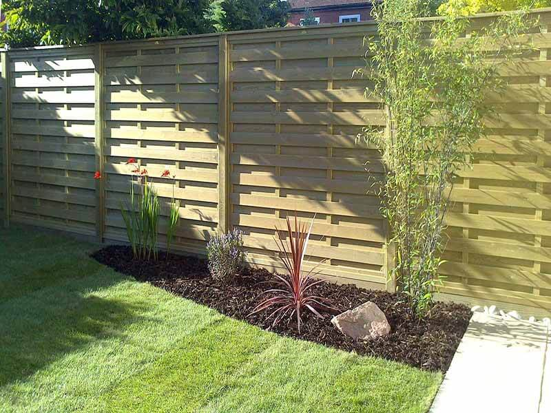 Hit and Miss horizontal fence panels