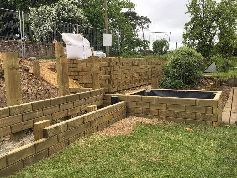 Jakwall raised beds being constructed