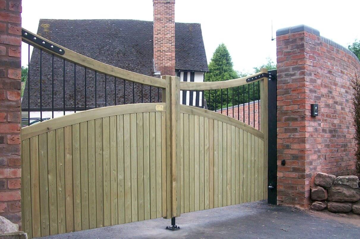 Courtyard Gates Jacksons Fencing
