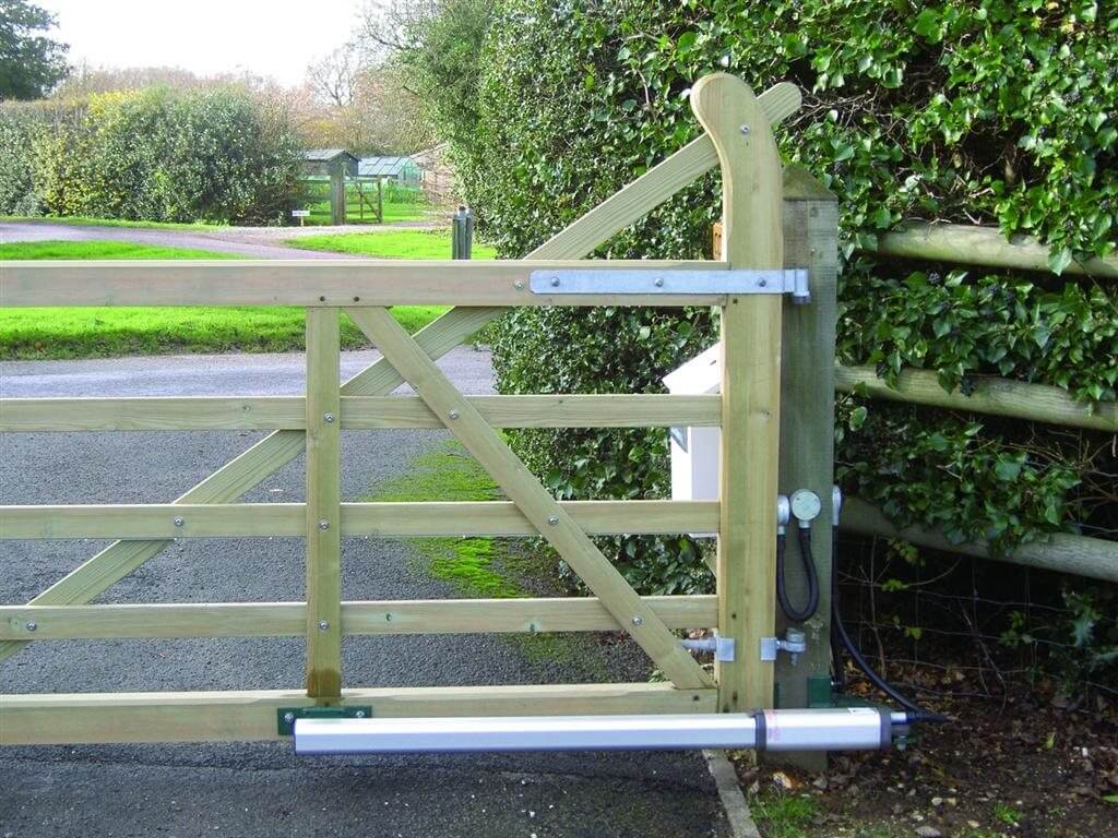 swing gate automation operator