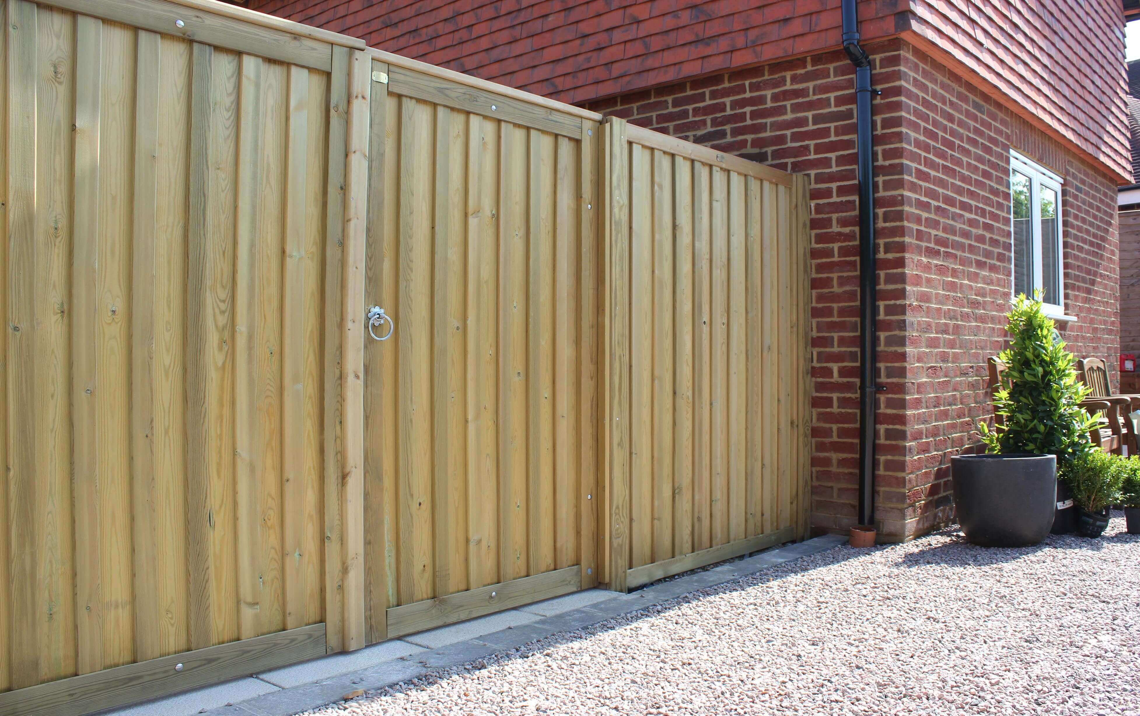 Timber chilham Fence panels and garden gate