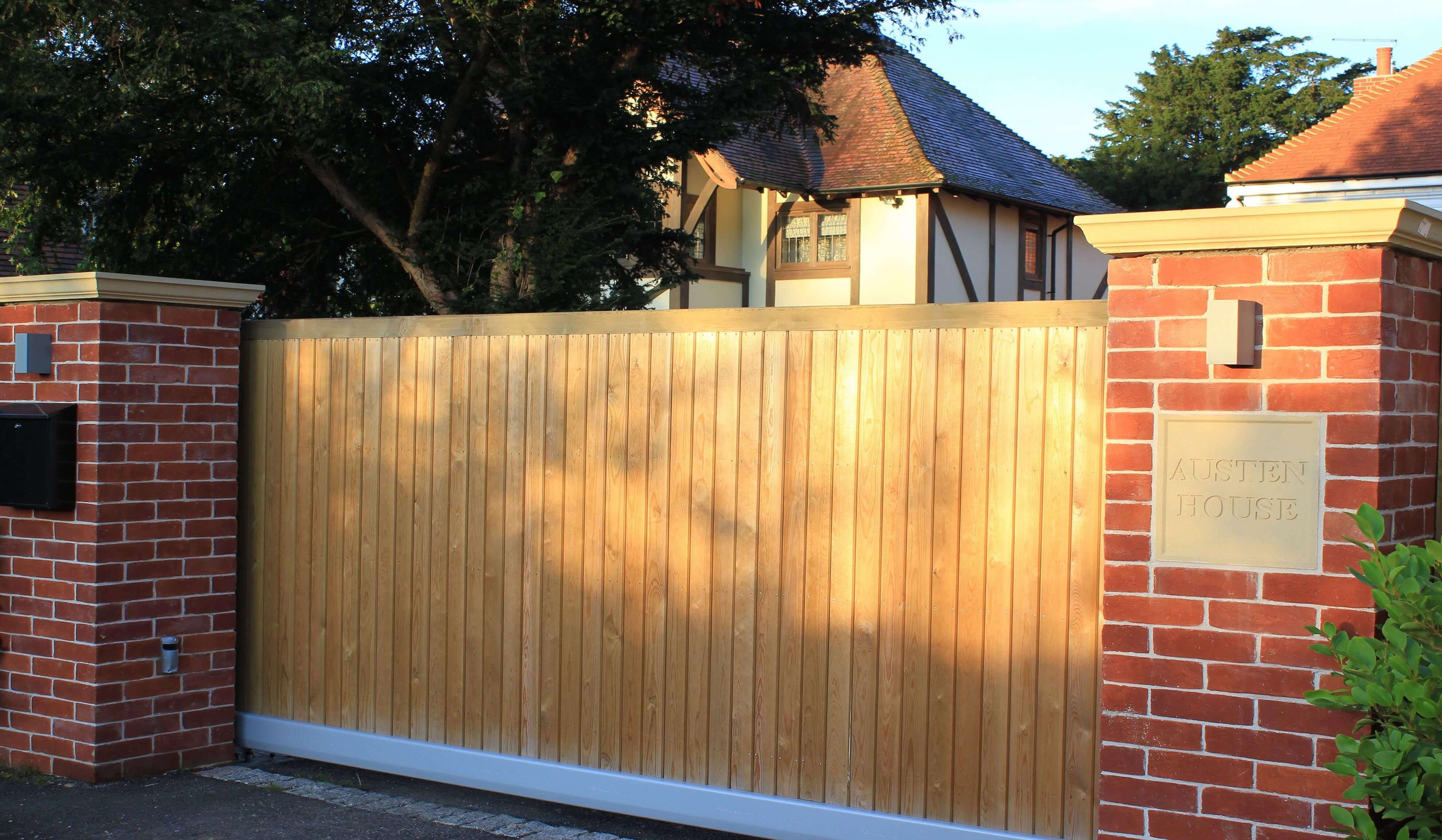 Timber Courtyard Automated Sliding Gate