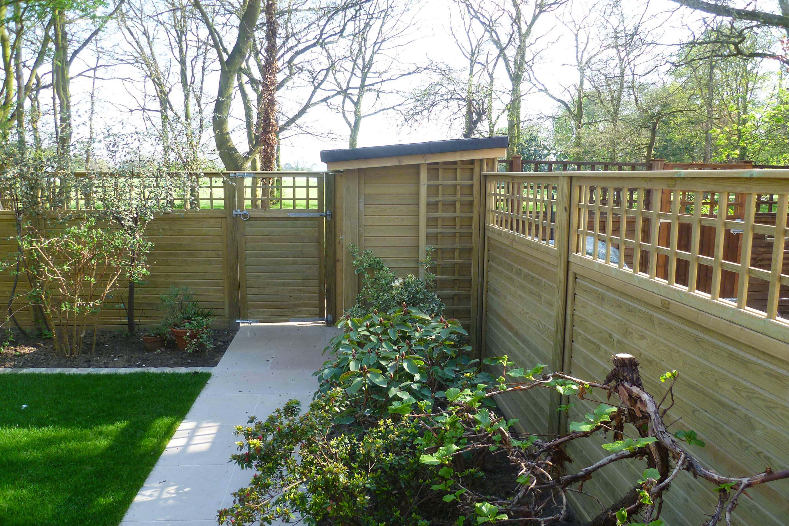 choosing feather edge fencing | jacksons fencing