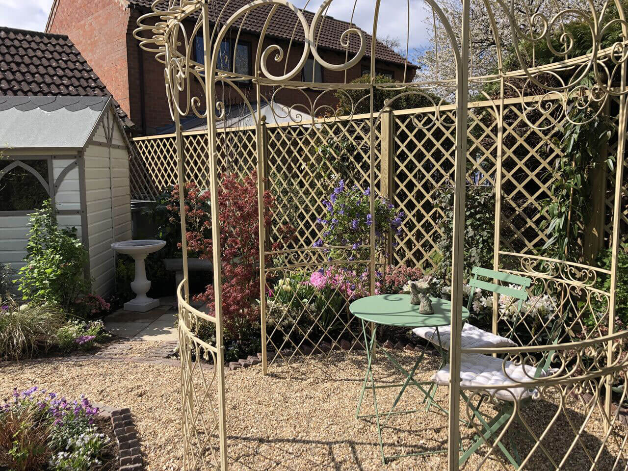 Diamond trellis fencing