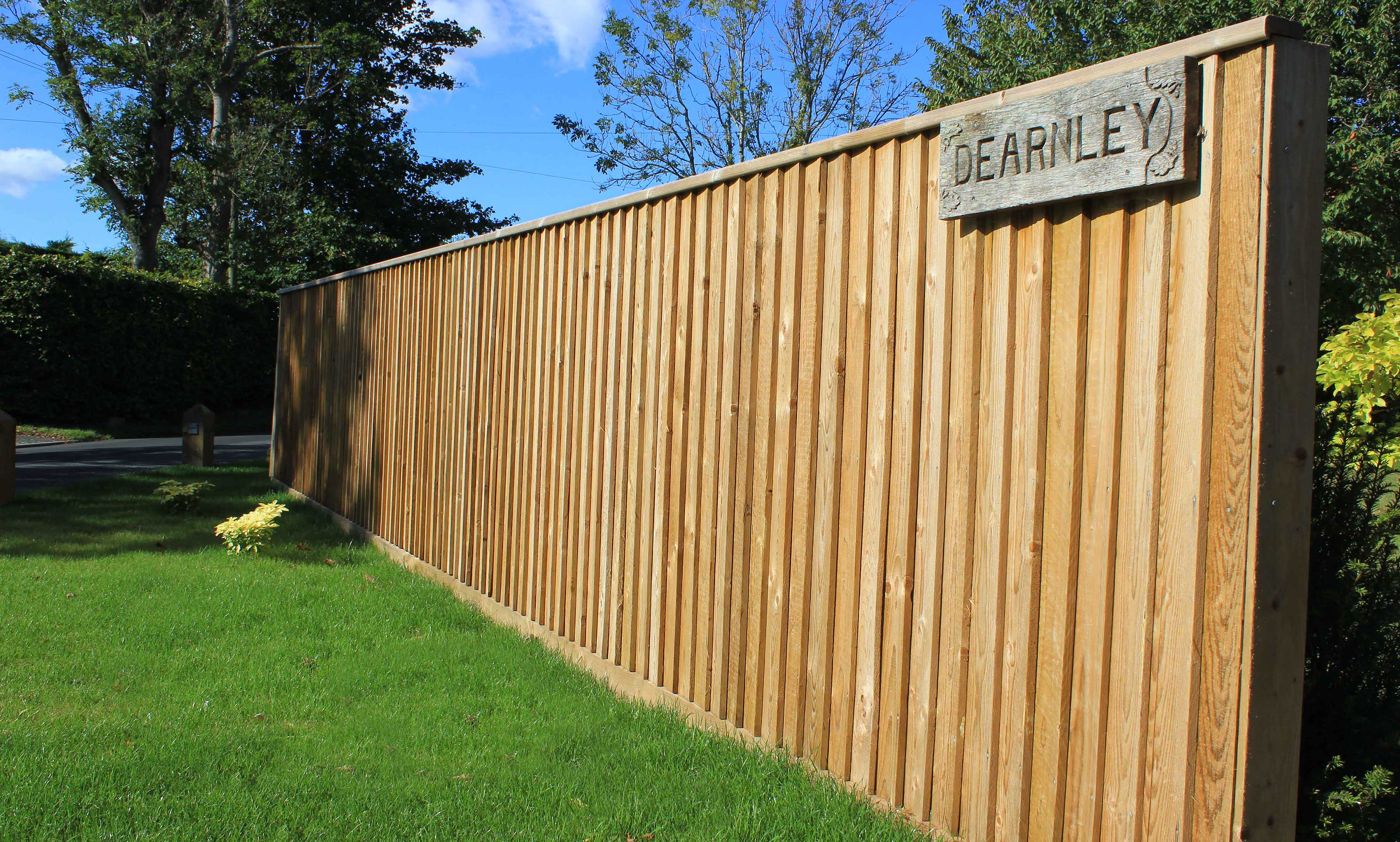 traditional featherboard front garden fence