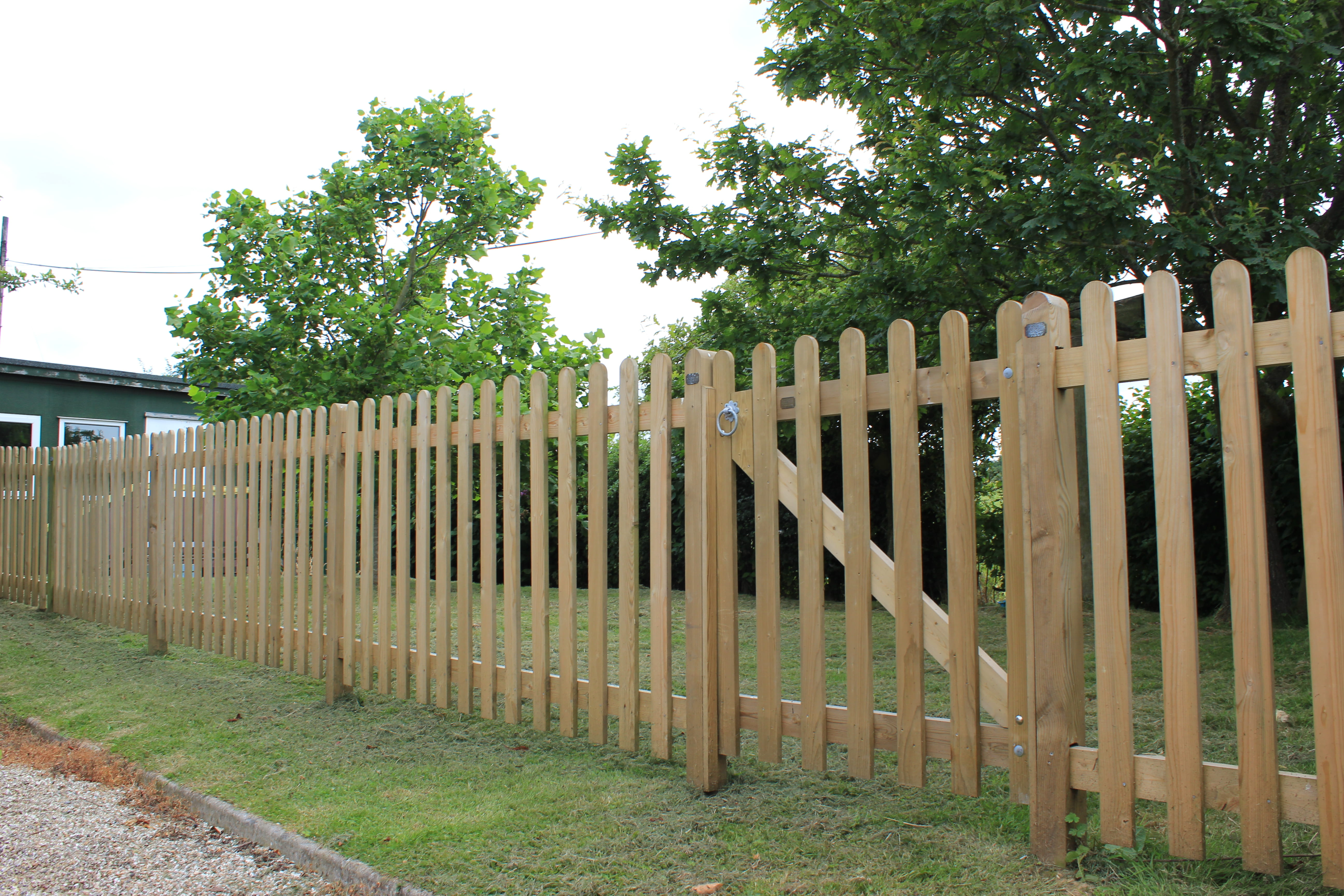 Traditional Palisade fencing 6