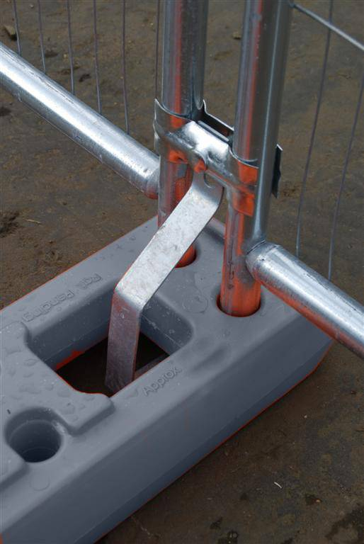 Temporary Fencing - Anti Lift Device 050037